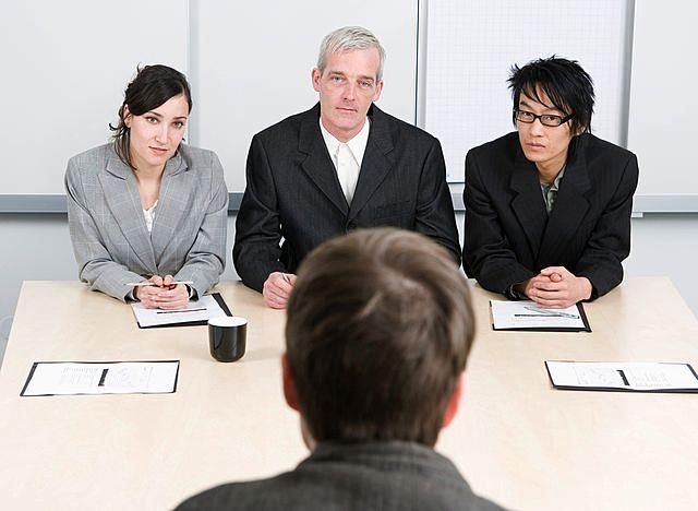 5 întrebări grele pe care să le pui la un interviu